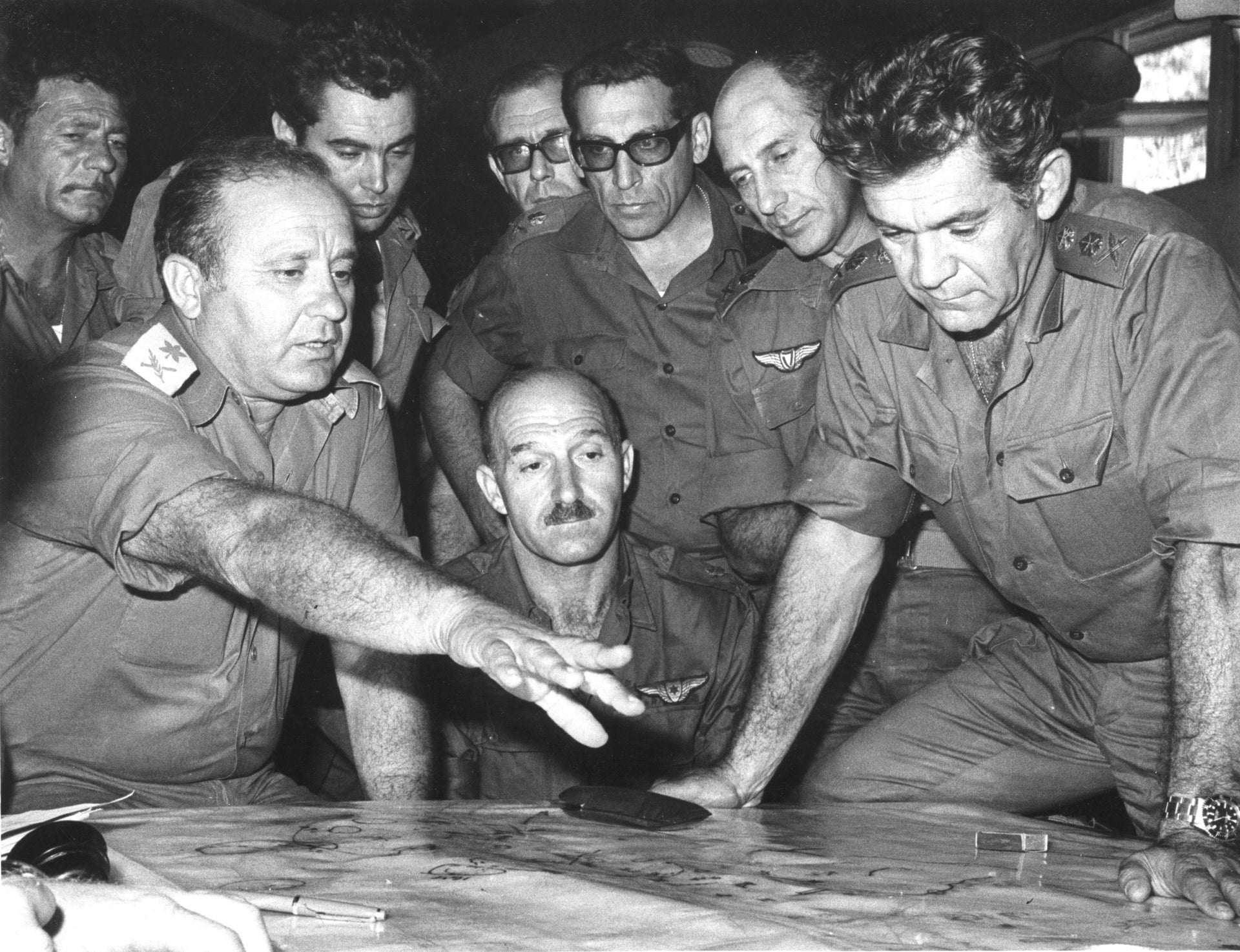 IDF Chief of Staff David Elazar, right, with MI chief Eli Zeira and other top brass during the Yom Kippur War, October 1973.