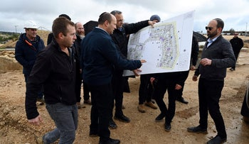 Bennett tours the Binyamina regional council in the West Bank, January 21, 2020.