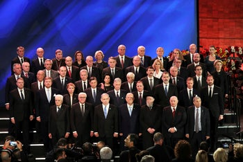 World leaders pose for a photo during the World Holocaust Forum in Jerusalem, January 23, 2020.