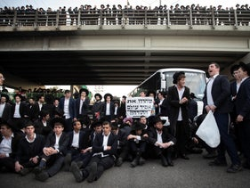 Yeshiva students in Jerusalem protesting against the arrest of a student who refused the army draft, Jerusalem, February 3, 2020.