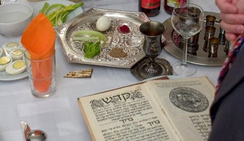 An Israeli family celebrates the Seder night in Jerusalem Monday, April 02, 2007.