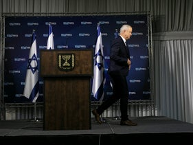 Benny Gantz leaving the stage after giving a statement to the press, January 25, 2020.