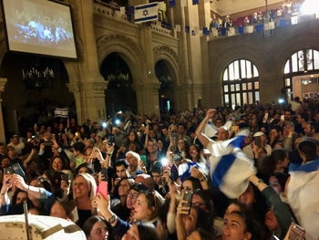 A pro-Israel celebration at the Grand Synagogue of Paris.