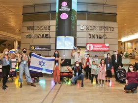 Seventeen new immigrants from North America at Ben-Gurion Airport, May 5, 2020.