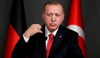 Turkish President Recep Tayyip Erdogan attends a news conference, Istanbul, January 24, 2020.
