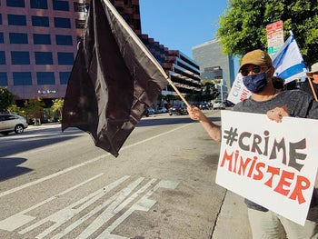 Anti-Netanyahu protester in Los Angeles, August 9, 2020.