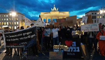 Israeli expats protest against the Netanyahu government in Berlin, August 29, 2020.