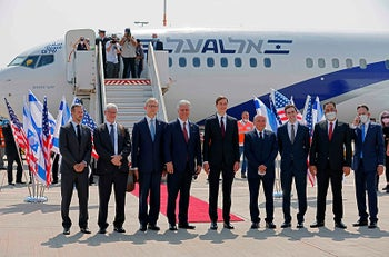 U.S. Presidential Adviser Jared Kushner(C-R) and National Security Adviser Robert OBrien(C-L) with members of the Israeli-American delegation to Abu Dhabi, at Ben-Gurion Airport, on August 31, 2020.