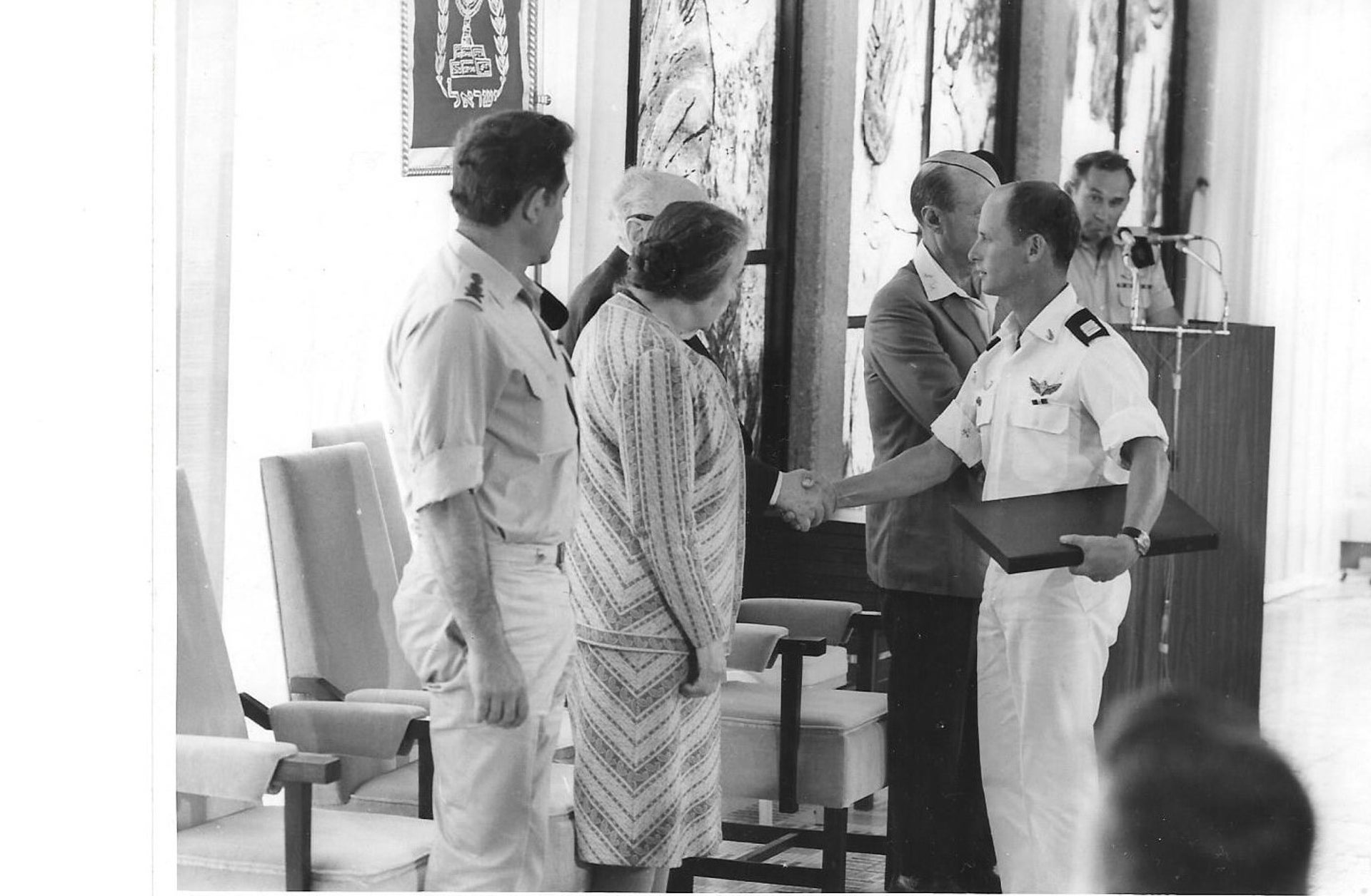 Ami Ayalon receives the Medal of Valor from Prime Minister Golda Meir in 1973.