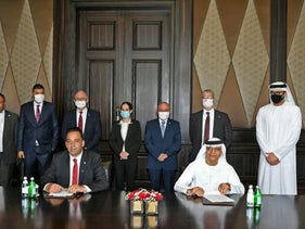 Israeli and Emirati officials signing a protocol in banking and finance in Abu Dhabi, September 1, 2020.