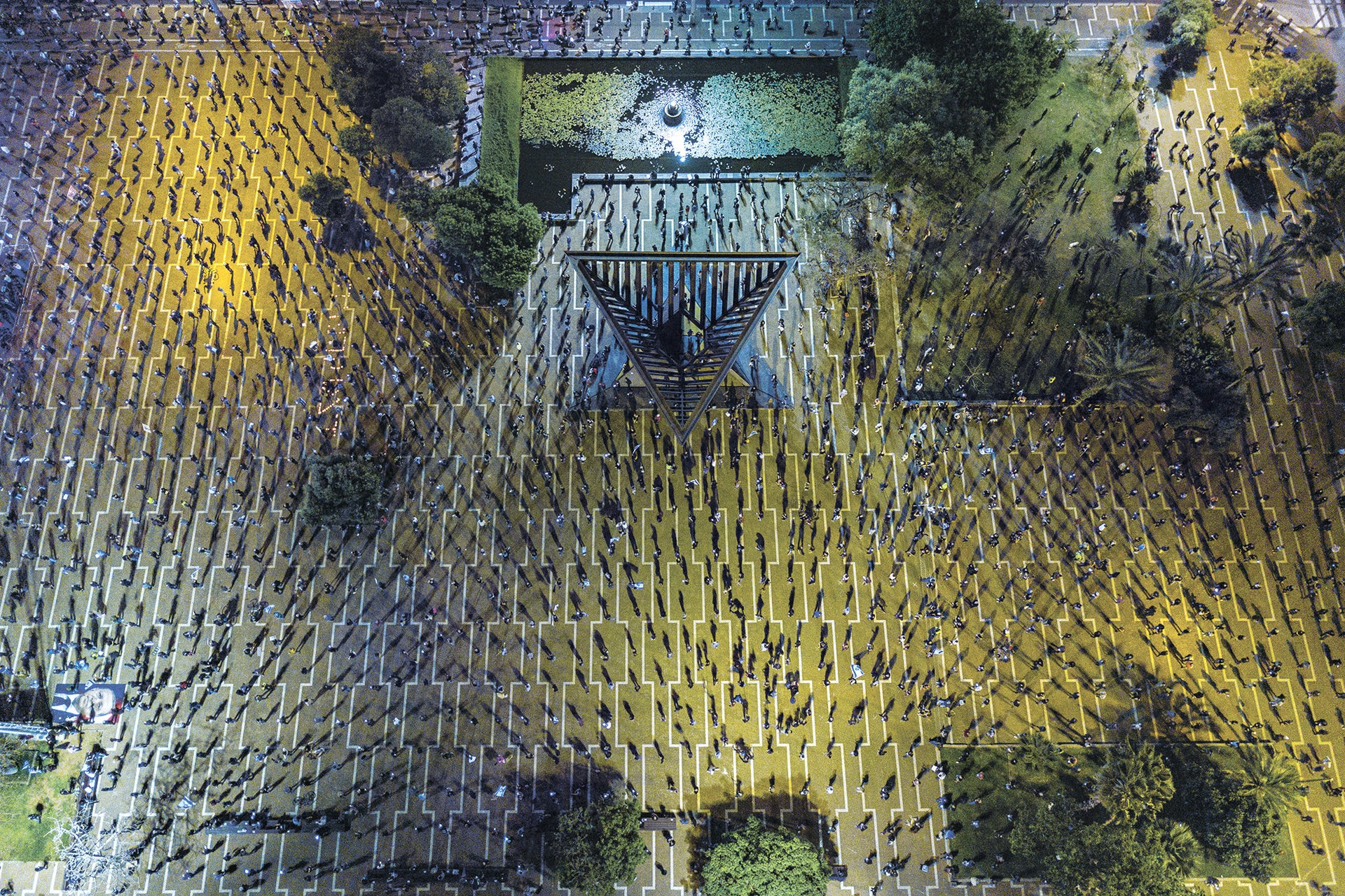 Tomer Appelbaum's drone photo that won him a 2020 Siena Award: Rabin Square during a protest against the Netanyahu government's handling of the coronavirus crisis.