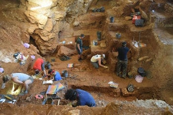 View of the excavation of the early modern human (foreground) and Neanderthal layers (background) of Lapa do Picareiro