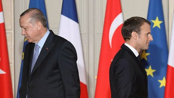 French President Emmanuel Macron (R) and Turkish President Recep Tayyip Erdogan during a joint press conference at the Elysee Palace in Paris, 2018.