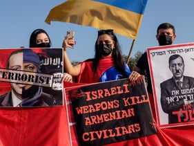 Armenians protesting against Israel's arming of Azerbaijan in front of the Foreign Ministry in Jerusalem, October 22, 2020.