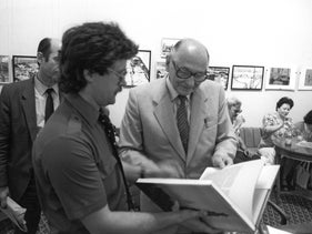 Soviet intelligence agent Heinz Felfe, right, at the presentation of his memoir published in 1986.