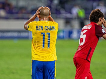 Maccabi Tel Aviv take part in a playoffs game in Bloomfield Stadium in Tel Aviv, September 22, 2020.
