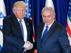 U.S. President Donald Trump and Israeli Prime Minister Benjamin Netanyah shake hands at a press conference during Trump's visit to Israel. Jerusalem, 22 May 2017