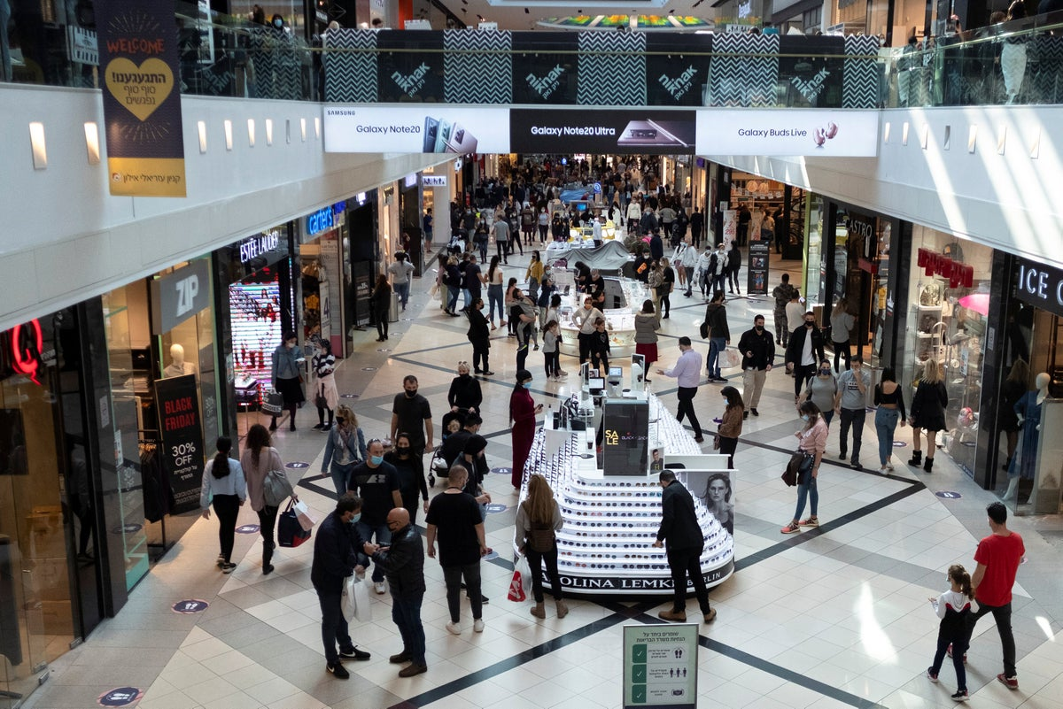 Israeli Black Friday sales down despite partial mall reopenings