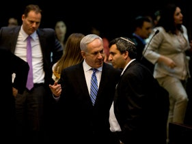 Zeev Elkin, right, and Benjamin Netanyahu during a debate on whether to dissolve the Knesset, 2012.