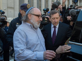 Convicted spy Jonathan Pollard leaves the federal courthouse in New York, November 20, 2015.