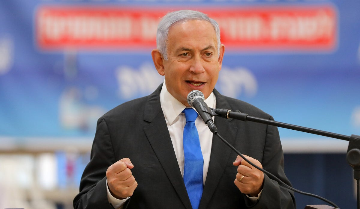 First Israeli election poll since lists submitted: Anti-Netanyahu bloc backslides