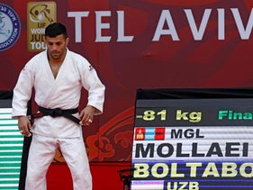 Saeid Mollaei competes during the finals of the men's under 81kg category of Tel Aviv Grand Slam.