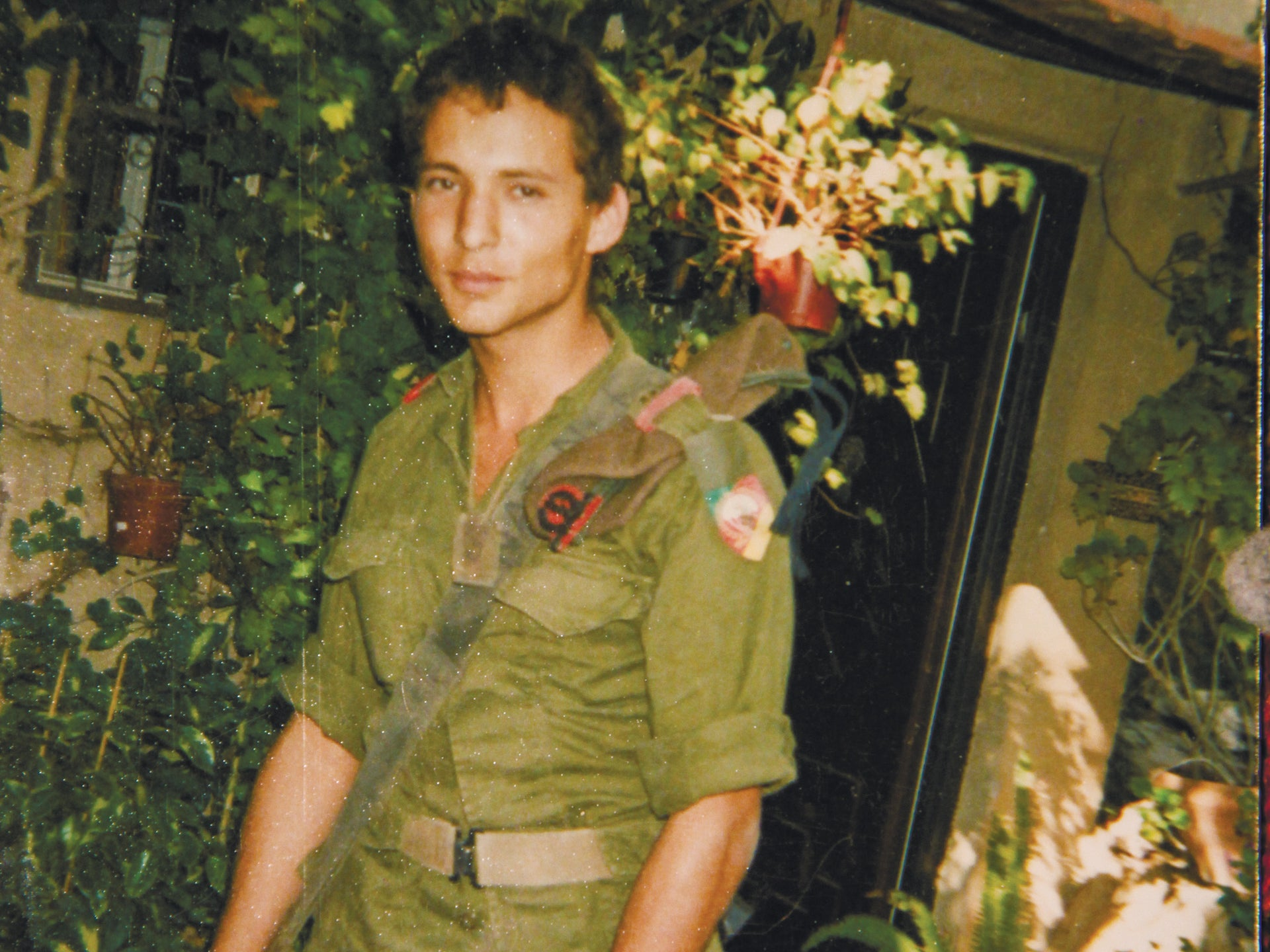 Naftali Bennett during his army service